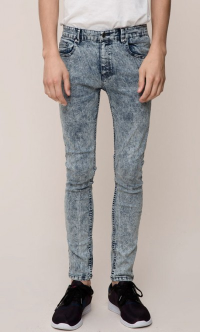Jeans Acid Wash de Pull and Bear